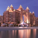 Atlantis the palm hotel at night