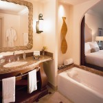 Atlantis the palm hotel suite bathroom