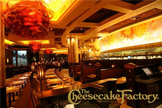 Cheesecake Factory в Дубае