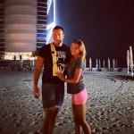 Бородина и Терехин в Дубае возле отеля Парус