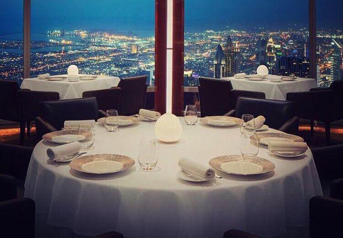 Акция для девушек в ресторане At.mosphere на 122-м этаже Burj Khalifa