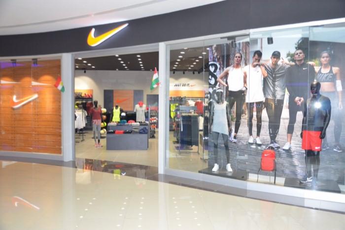 магазин Nike Dubai