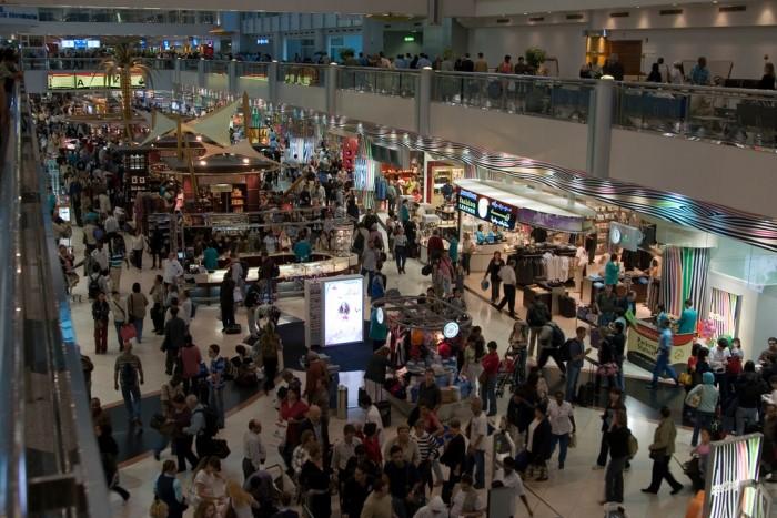 100 тысяч человек в Дубайском аэропорту